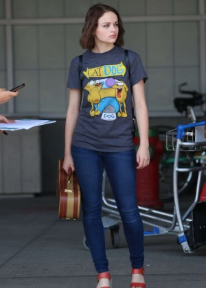Joey King in Jeans Arriving at Montreal Airport