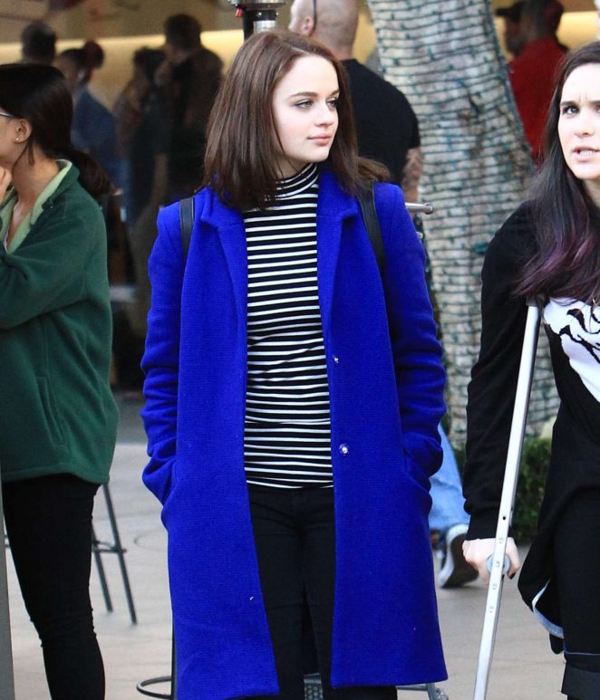 Joey King - Shopping at the Grove in Los Angeles