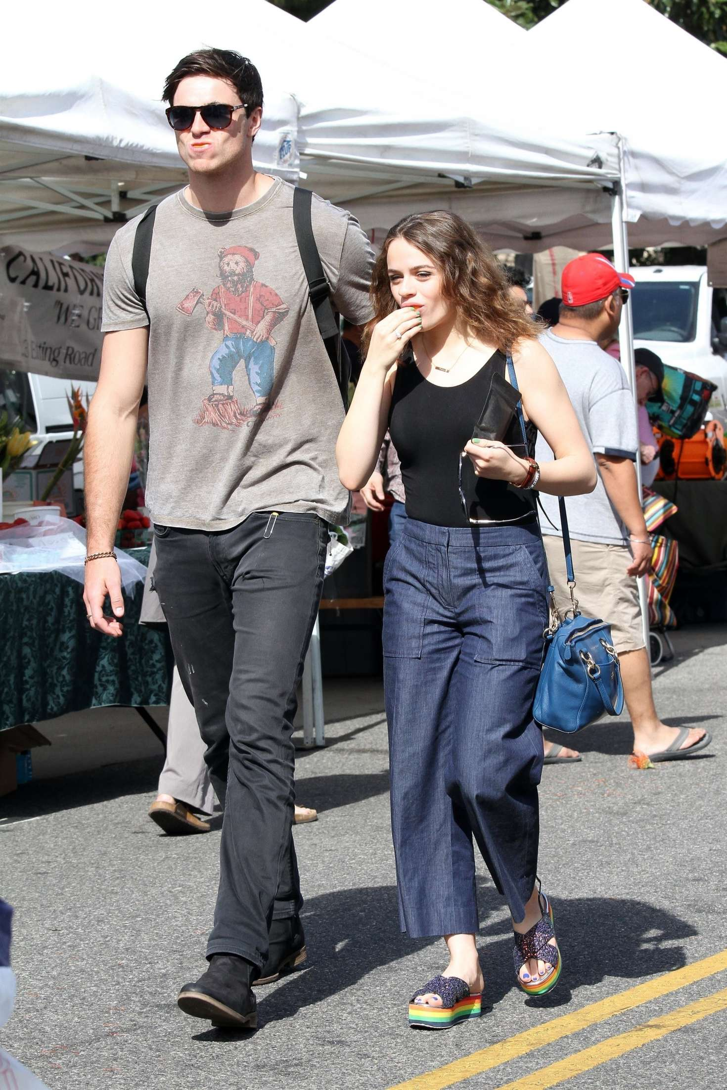 Joey King With Boyfriend Jacob Elordi At The Farmers Market 12 Gotceleb