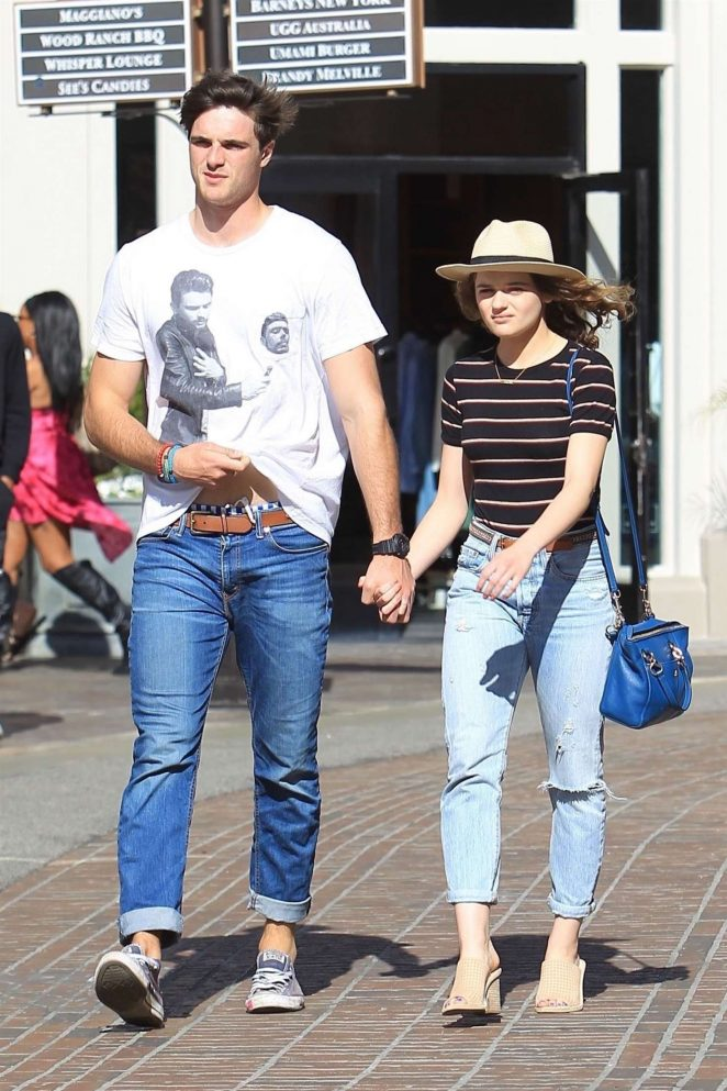 Joey King with Jacob Elordi: Shopping at The Grove -10