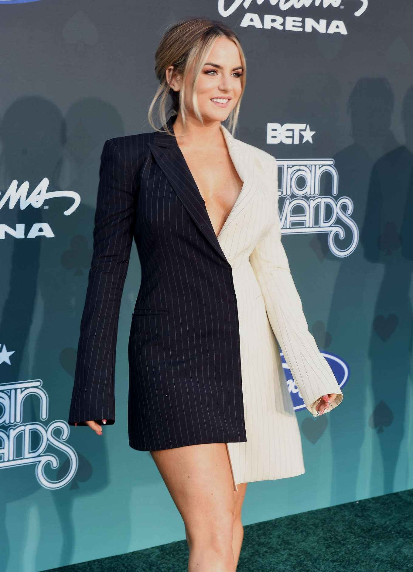 JoJo Levesque 2019 : Jojo Levesque – 2019 BET Soul Train Awards in Las Vegas-07