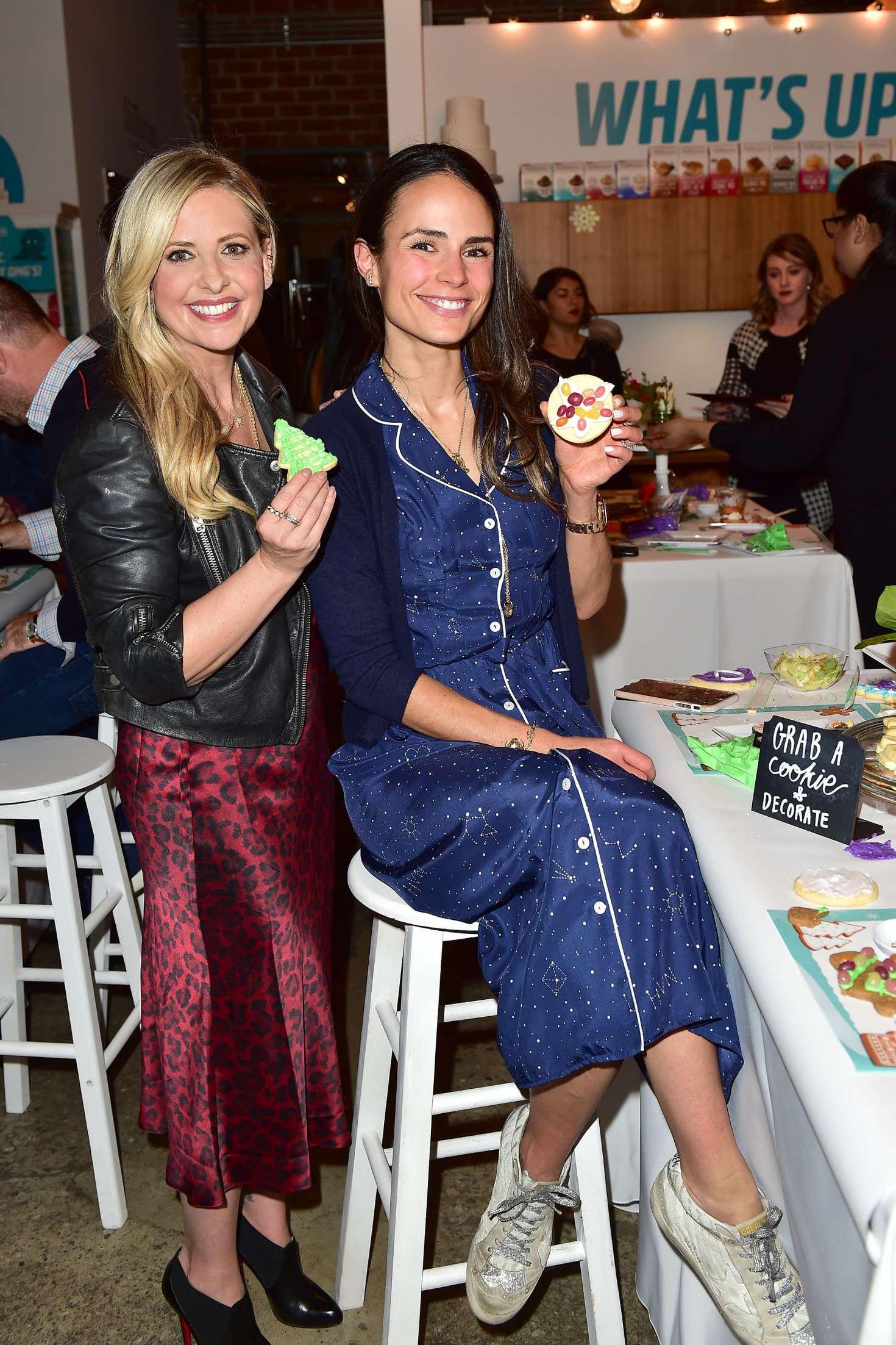 Jordana Brewster 2018 : Jordana Brewster: Holiday Cookie Party benefiting Alliance of Moms & Raising Foodie -06