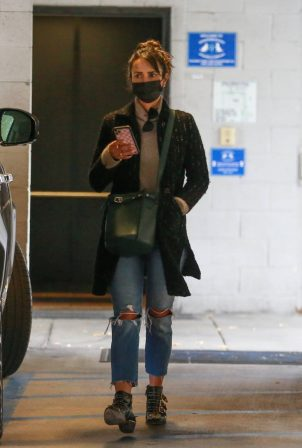 Jordana Brewster - In ripped denim pants drops her dog off at a Vet in Westwood
