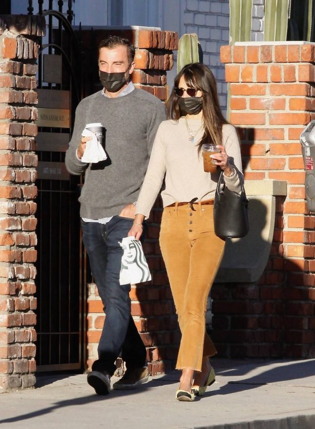 Jordana Brewster - Out for a post Xmas coffee in Brentwood