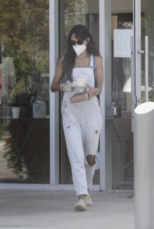 Jordana Brewster - Out for coffee at Blue Bottle Coffee in Malibu
