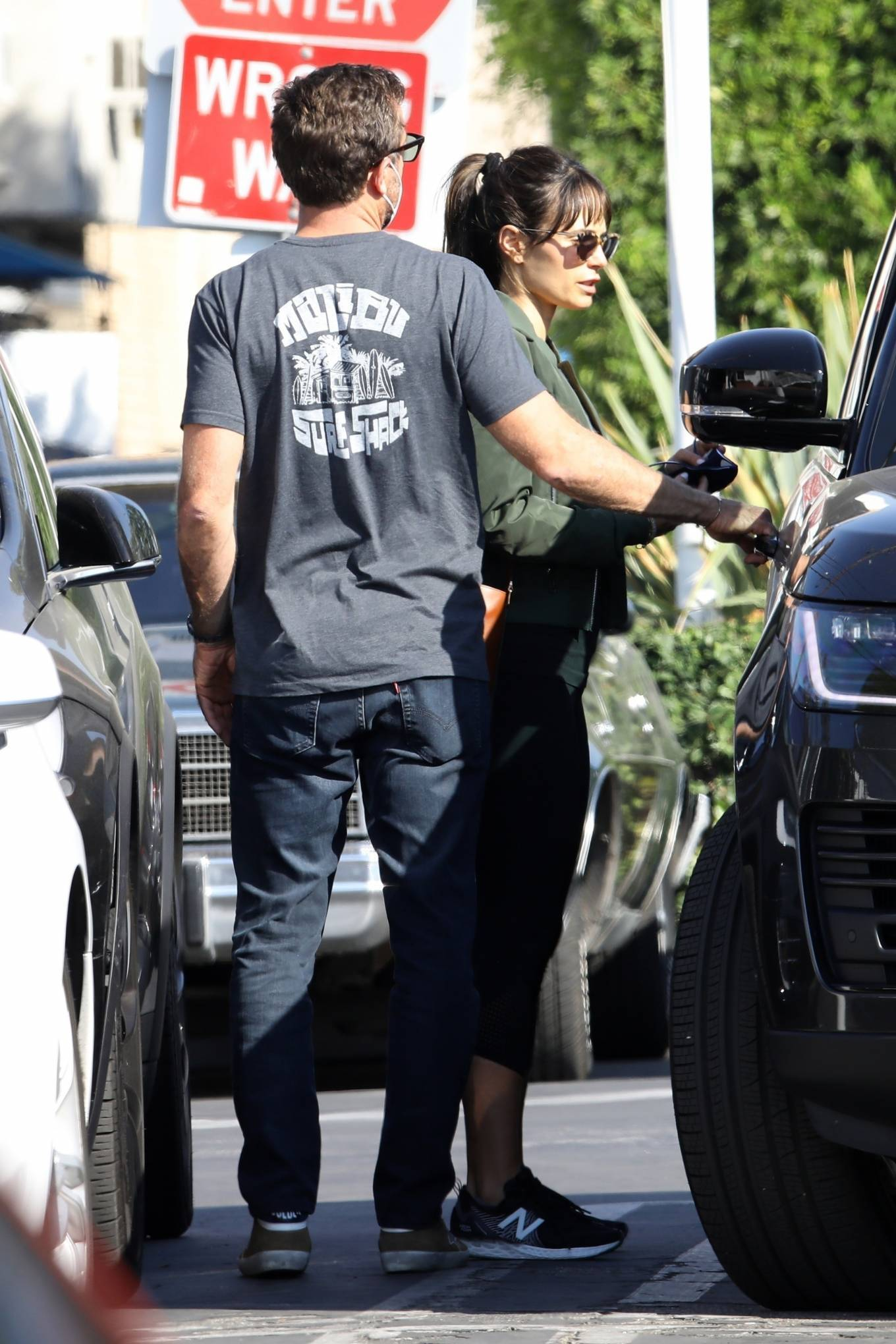 Jordana Brewster 2020 : Jordana Brewster – Out for lunch with her boyfriend in West Hollywood-01