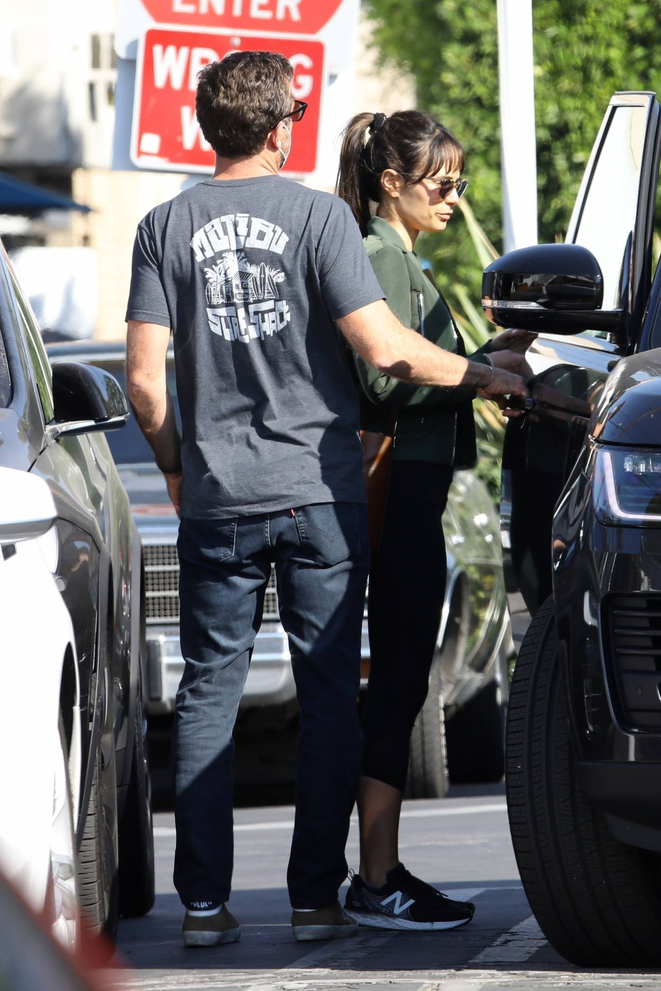 Jordana Brewster 2020 : Jordana Brewster – Out for lunch with her boyfriend in West Hollywood-06