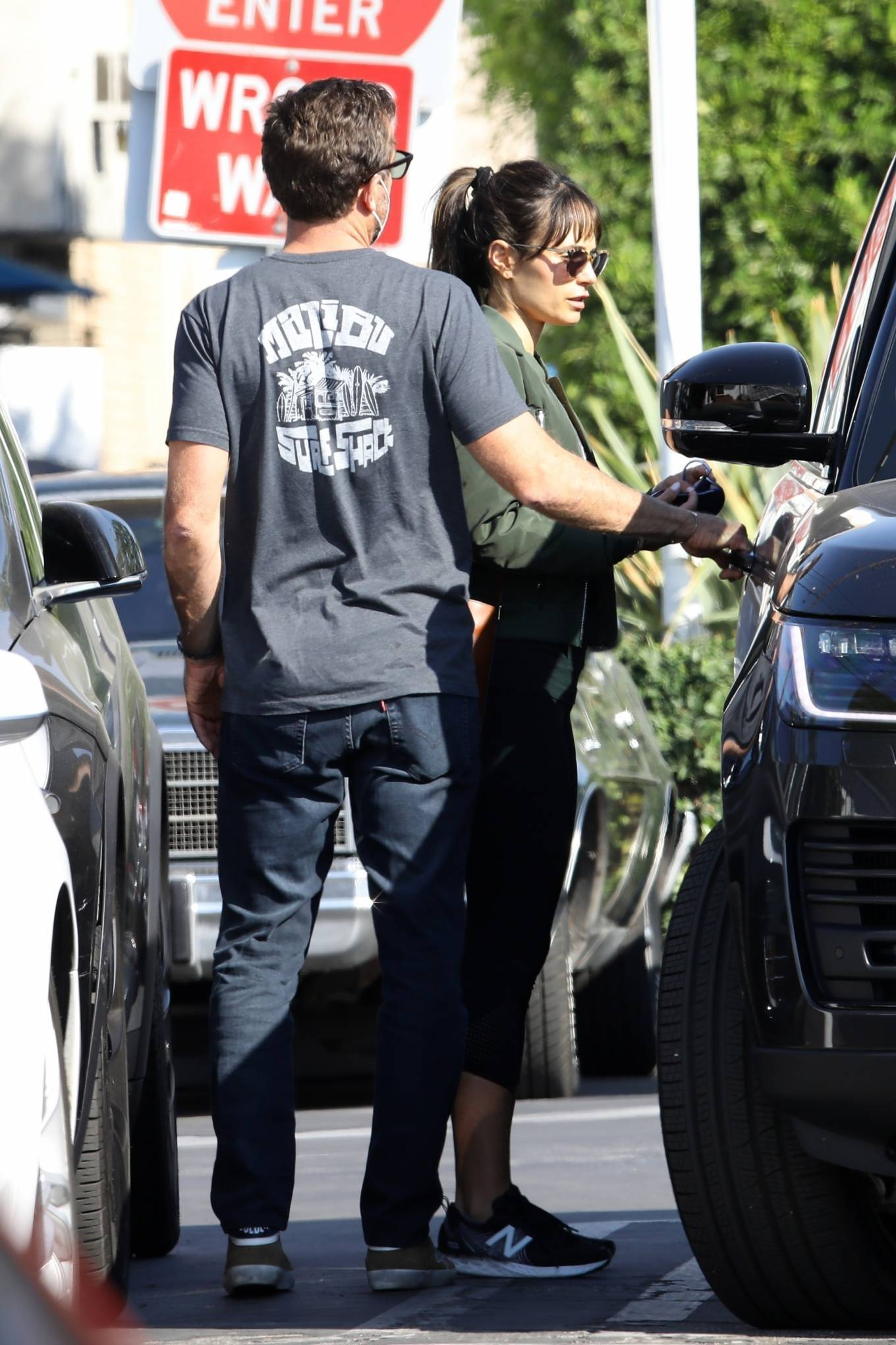 Jordana Brewster 2020 : Jordana Brewster – Out for lunch with her boyfriend in West Hollywood-09