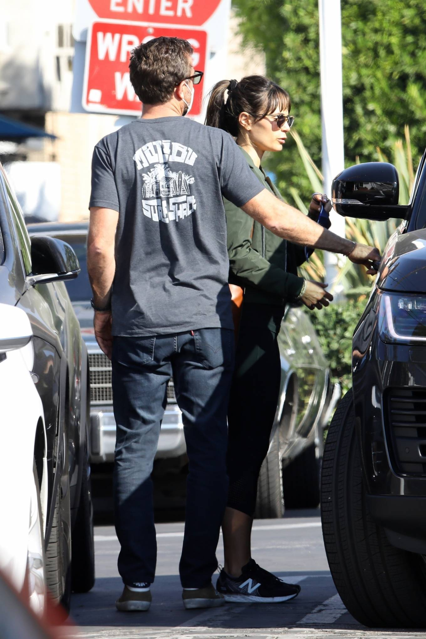 Jordana Brewster 2020 : Jordana Brewster – Out for lunch with her boyfriend in West Hollywood-10
