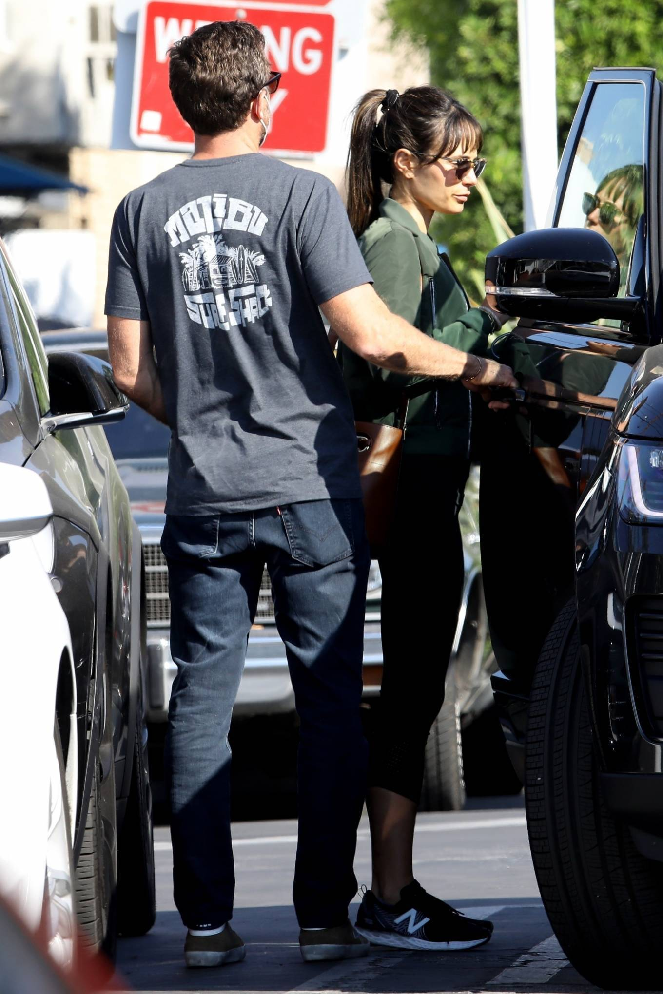 Jordana Brewster 2020 : Jordana Brewster – Out for lunch with her boyfriend in West Hollywood-11