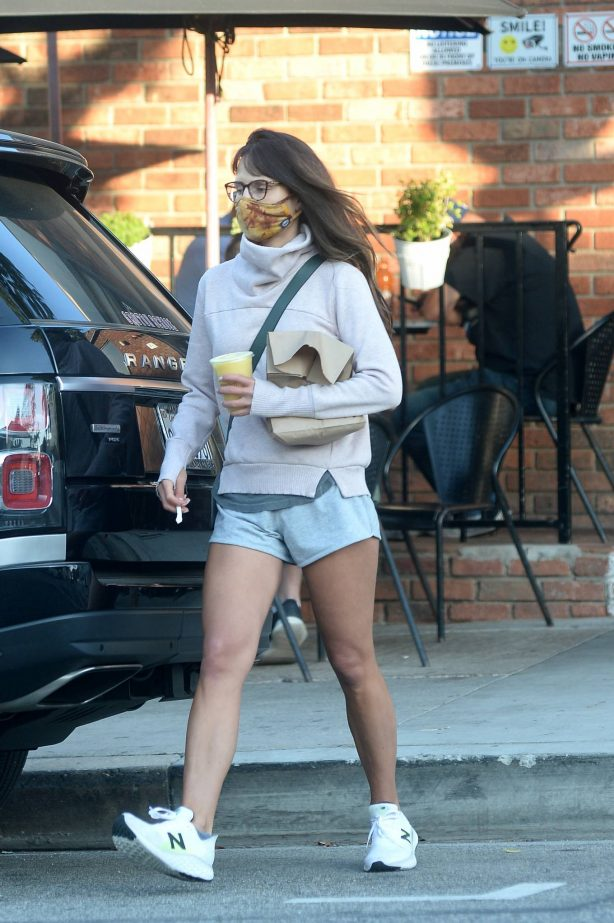 Jordana Brewster - out for some snacks in Los Angeles