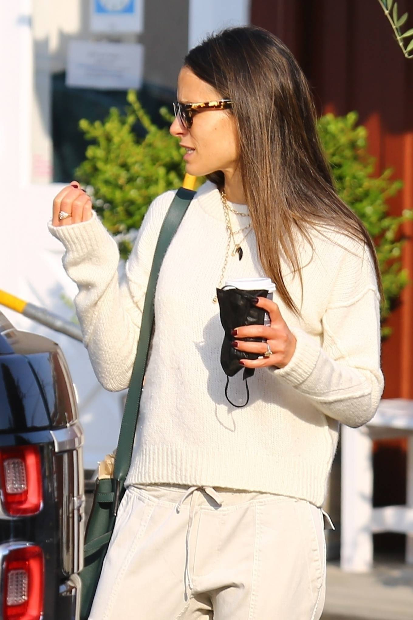 Jordana Brewster - Out in Brentwood