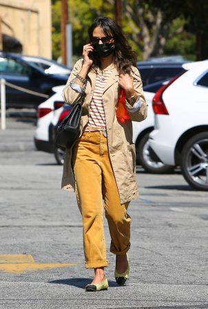 Jordana Brewster - Running errands in Brentwood