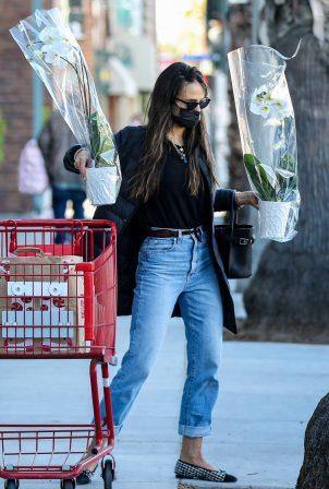 Jordana Brewster - Shopping candids at Trader Joe's in Santa Monica