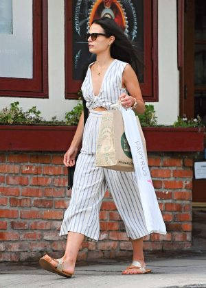 Jordana Brewster Shopping in Santa Monica