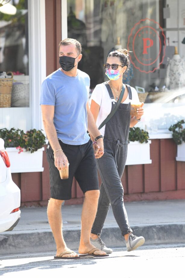 Jordana Brewster - spotted out and about in Brentwood