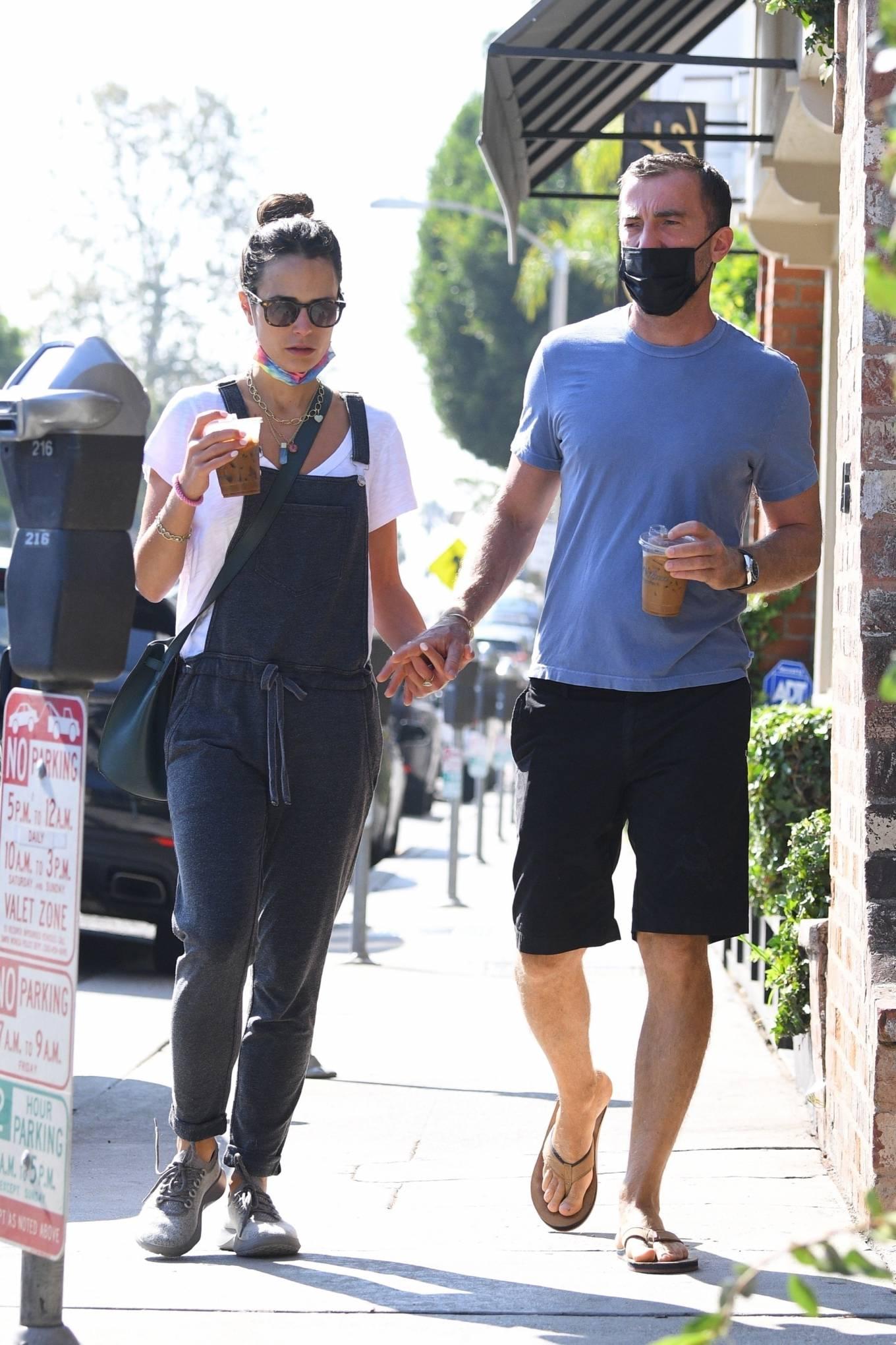 Jordana Brewster - Steps out for a walk in Brentwood neighborhood