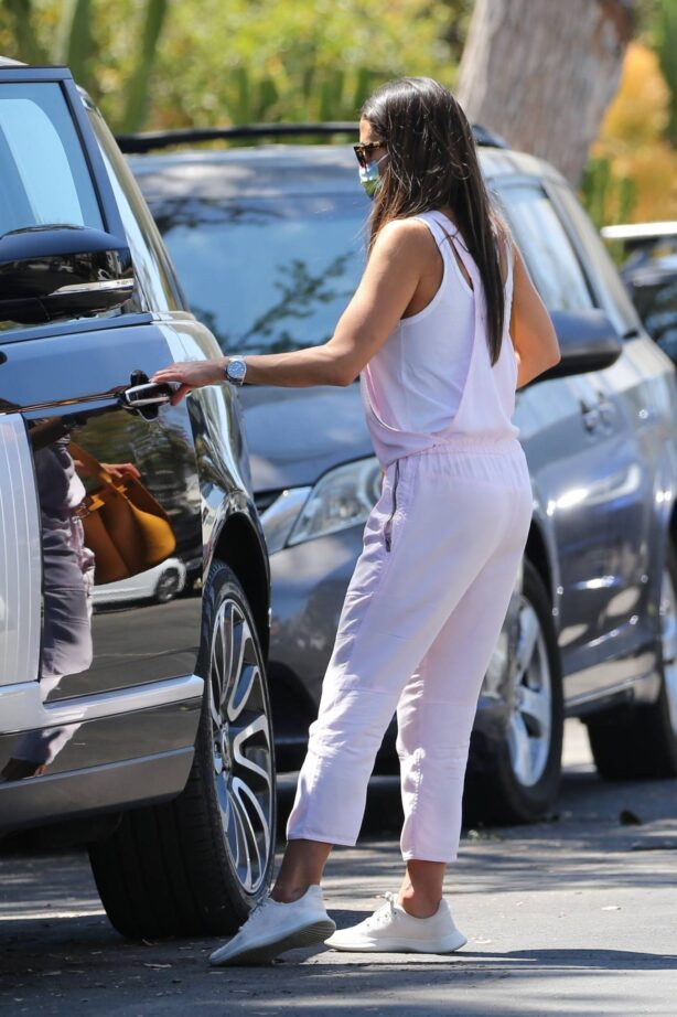 Jordana Brewster - Wearing pink jumpsuit while out in Brentwood