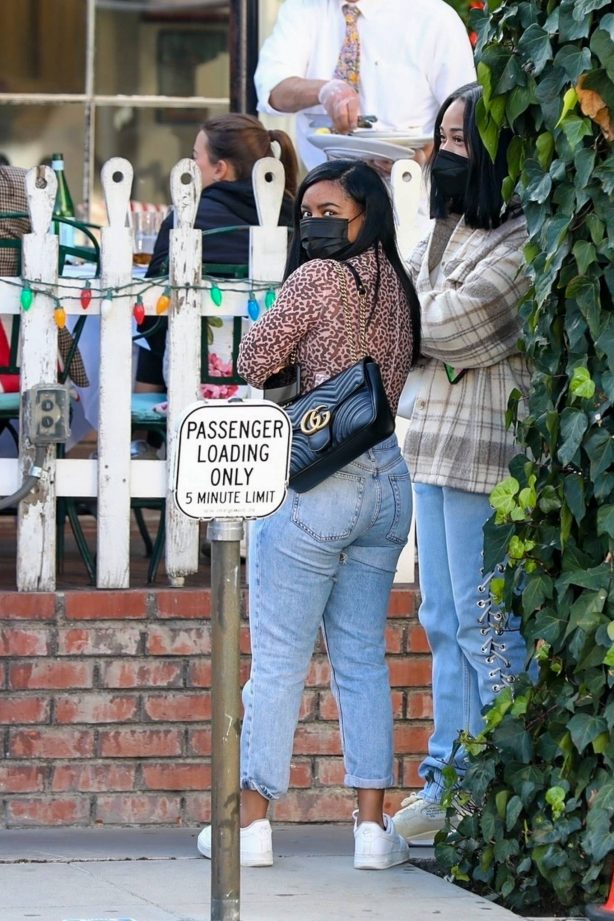 Jordyn Woods - Lunch with friends at The Ivy in West Hollywood