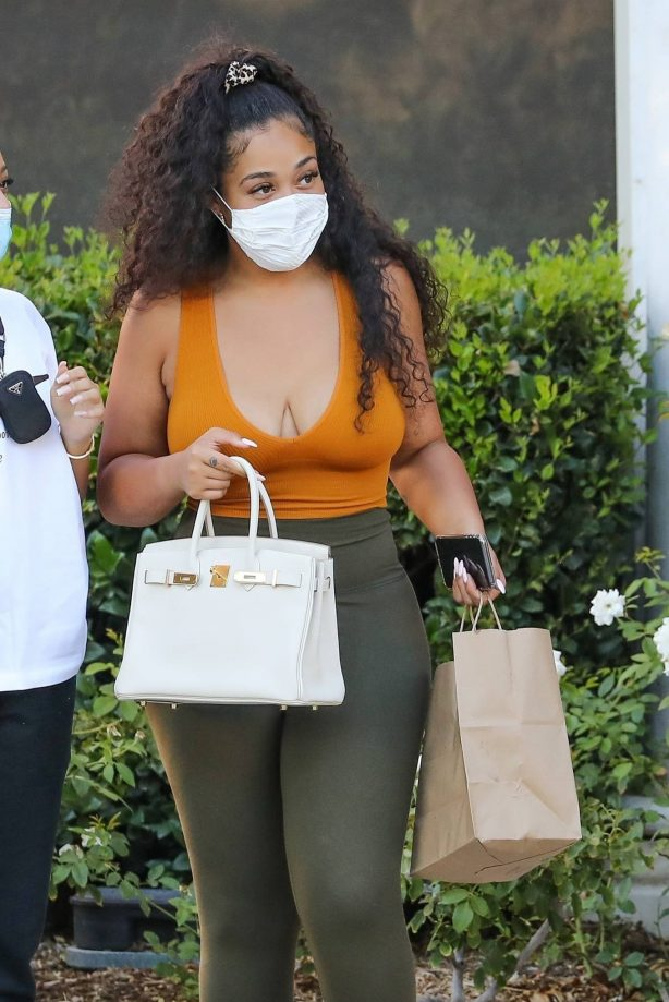 Jordyn Woods - Out with mystery man at Toscanova in Calabasas