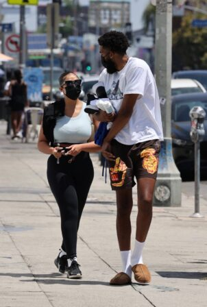 Jordyn Woods - With her boyfriend head to the gym today in West Hollywood