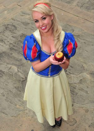 Jorgie Porter - Photocall to Promote Panto in Cheshire