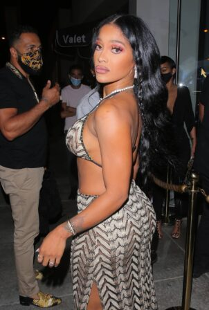 Joseline Hernandez - Seen at dinner with husband DJ Ballistic at Catch LA in West Hollywood
