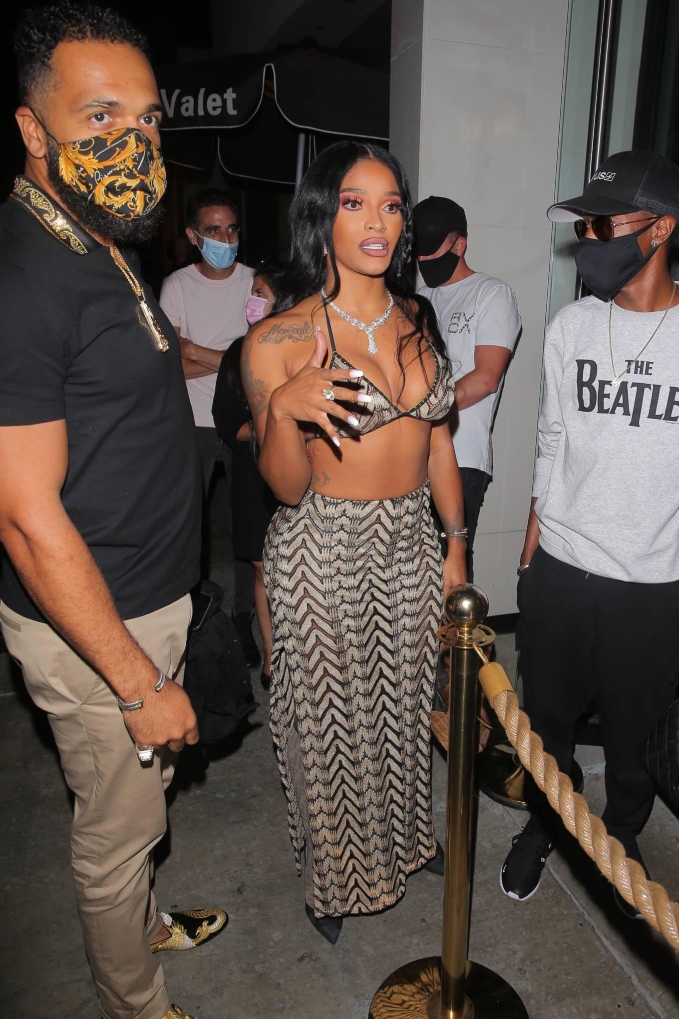 Joseline Hernandez 2021 : Joseline Hernandez – Seen at dinner with husband DJ Ballistic at Catch LA in West Hollywood-02