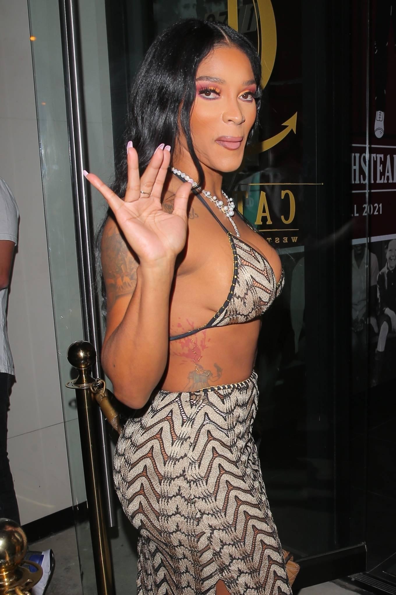 Joseline Hernandez 2021 : Joseline Hernandez – Seen at dinner with husband DJ Ballistic at Catch LA in West Hollywood-12