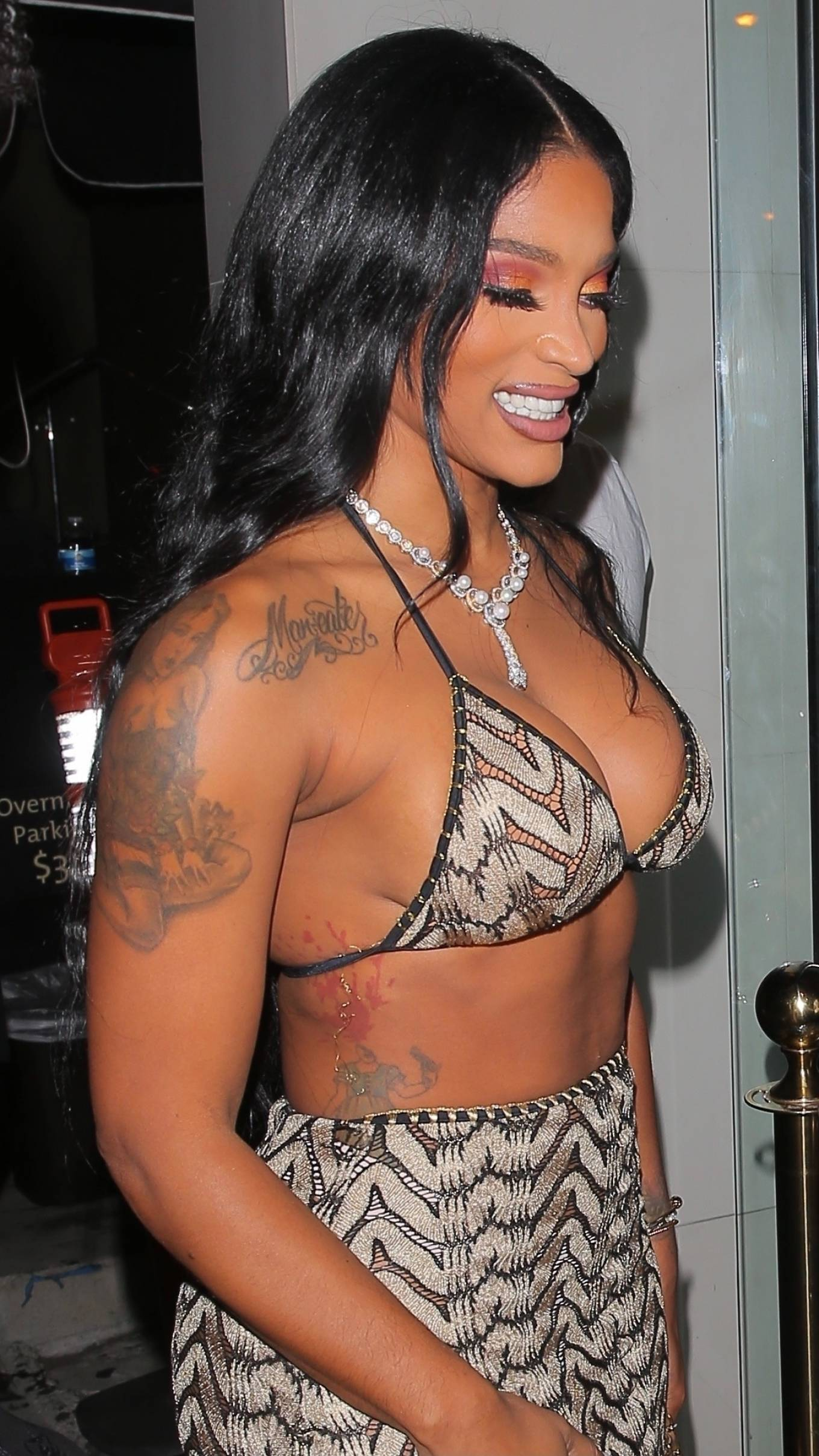 Joseline Hernandez 2021 : Joseline Hernandez – Seen at dinner with husband DJ Ballistic at Catch LA in West Hollywood-23