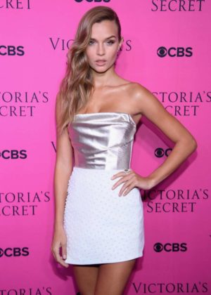 Josephine Skriver - 2017 Victoria's Secret Viewing Party in New York City