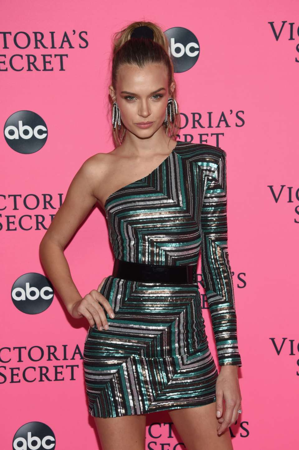 Josephine Skriver - 2018 Victoria's Secret Viewing Party in New York
