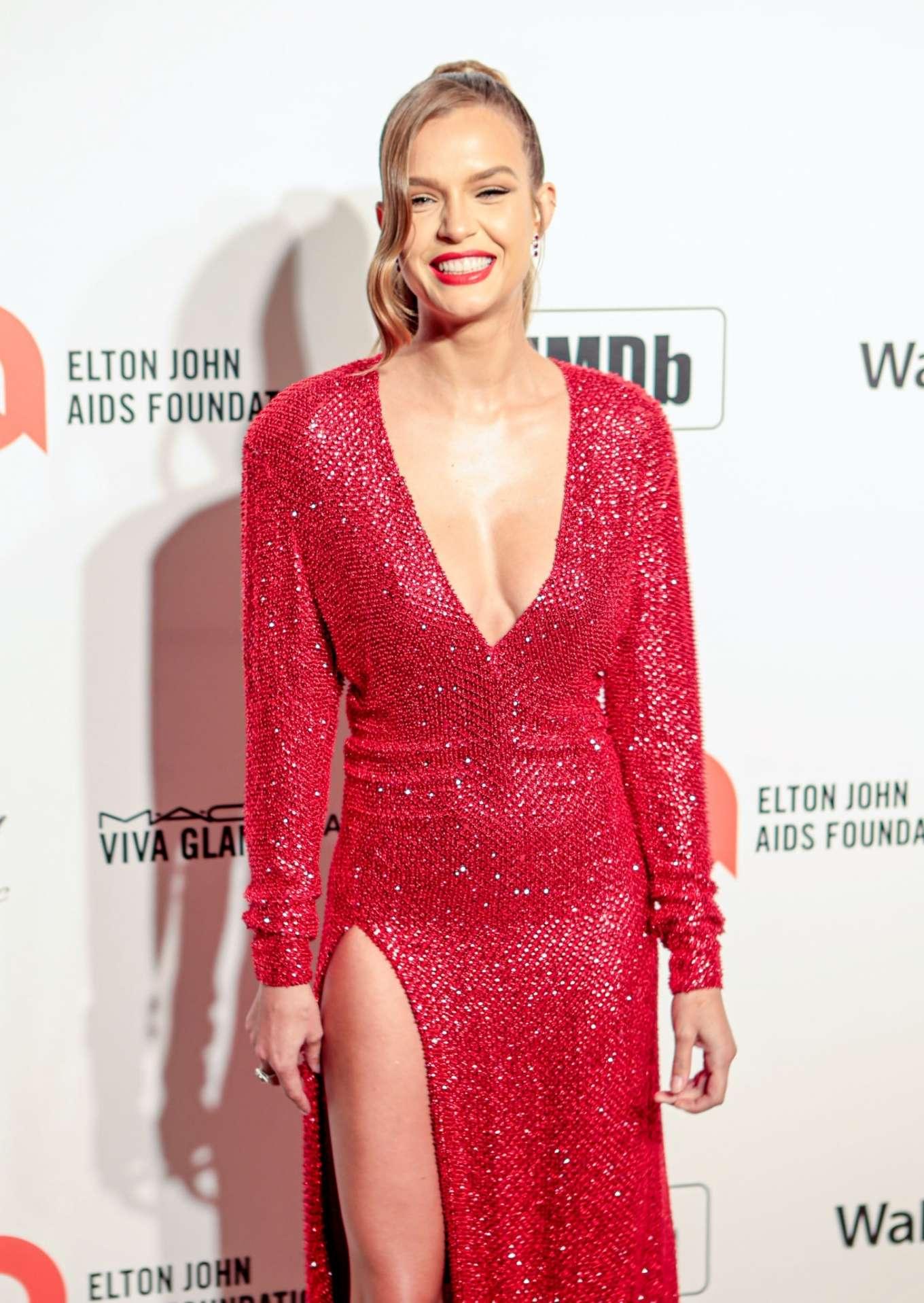 Josephine Skriver 2020 : Josephine Skriver – 2020 Elton John AIDS Foundation Oscar Viewing Party-12