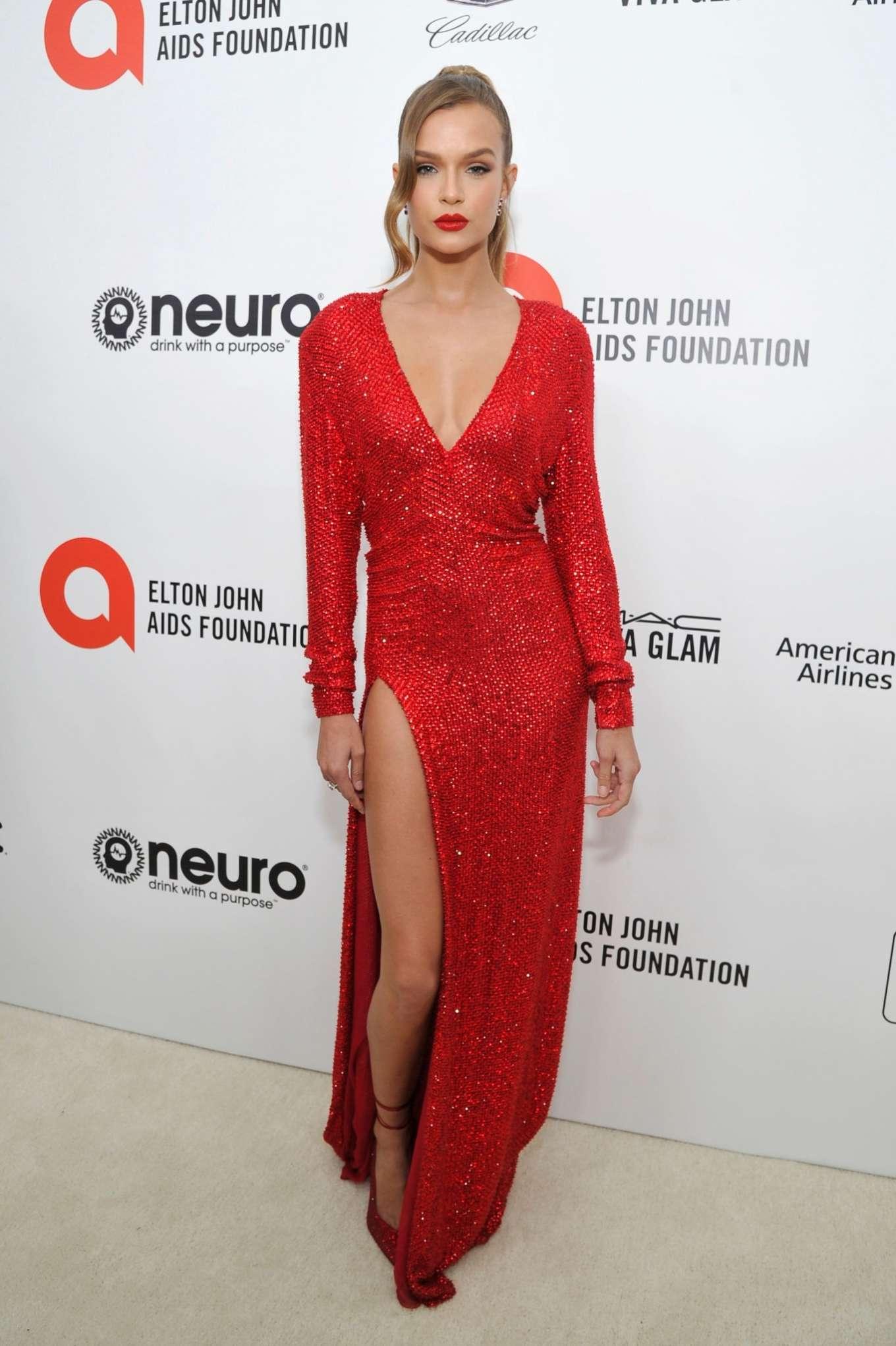 Josephine Skriver 2020 : Josephine Skriver – 2020 Elton John AIDS Foundation Oscar Viewing Party-16