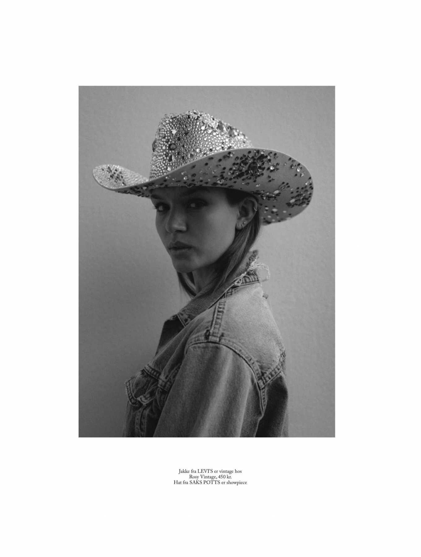 Josephine Skriver 2020 : Josephine Skriver – Eurowoman Magazine 2020-08