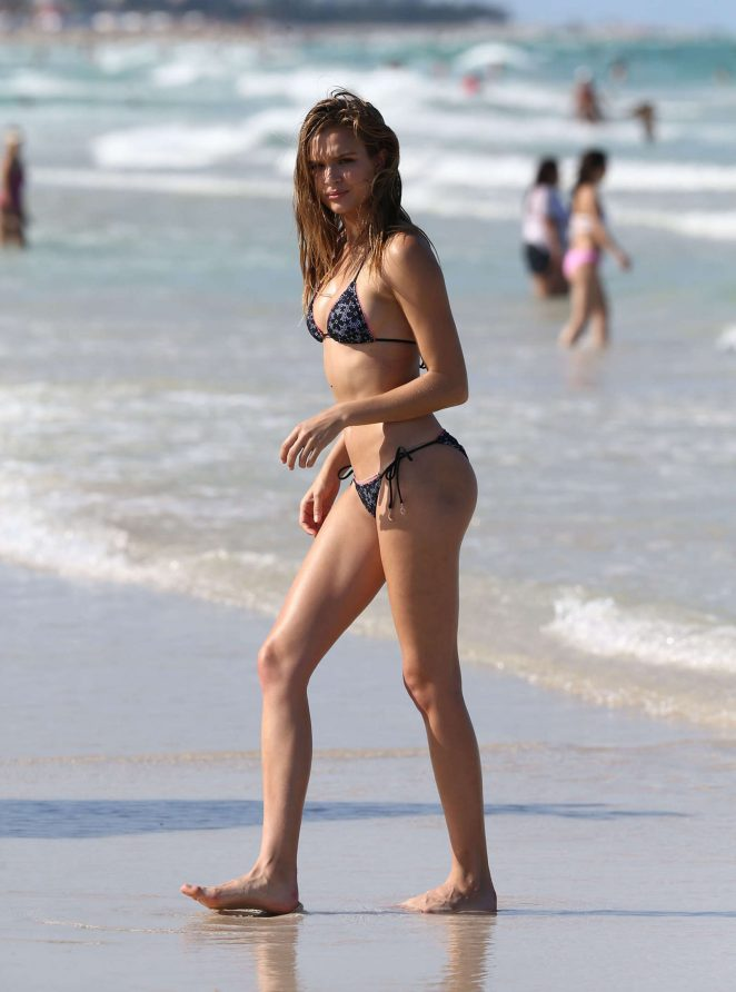 Josephine Skriver in Pink Bikini Photoshoot on the beach in Miami Pic 34 of 35