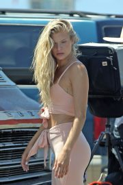 Josie Canseco - Photoshoot candids at Venice Beach