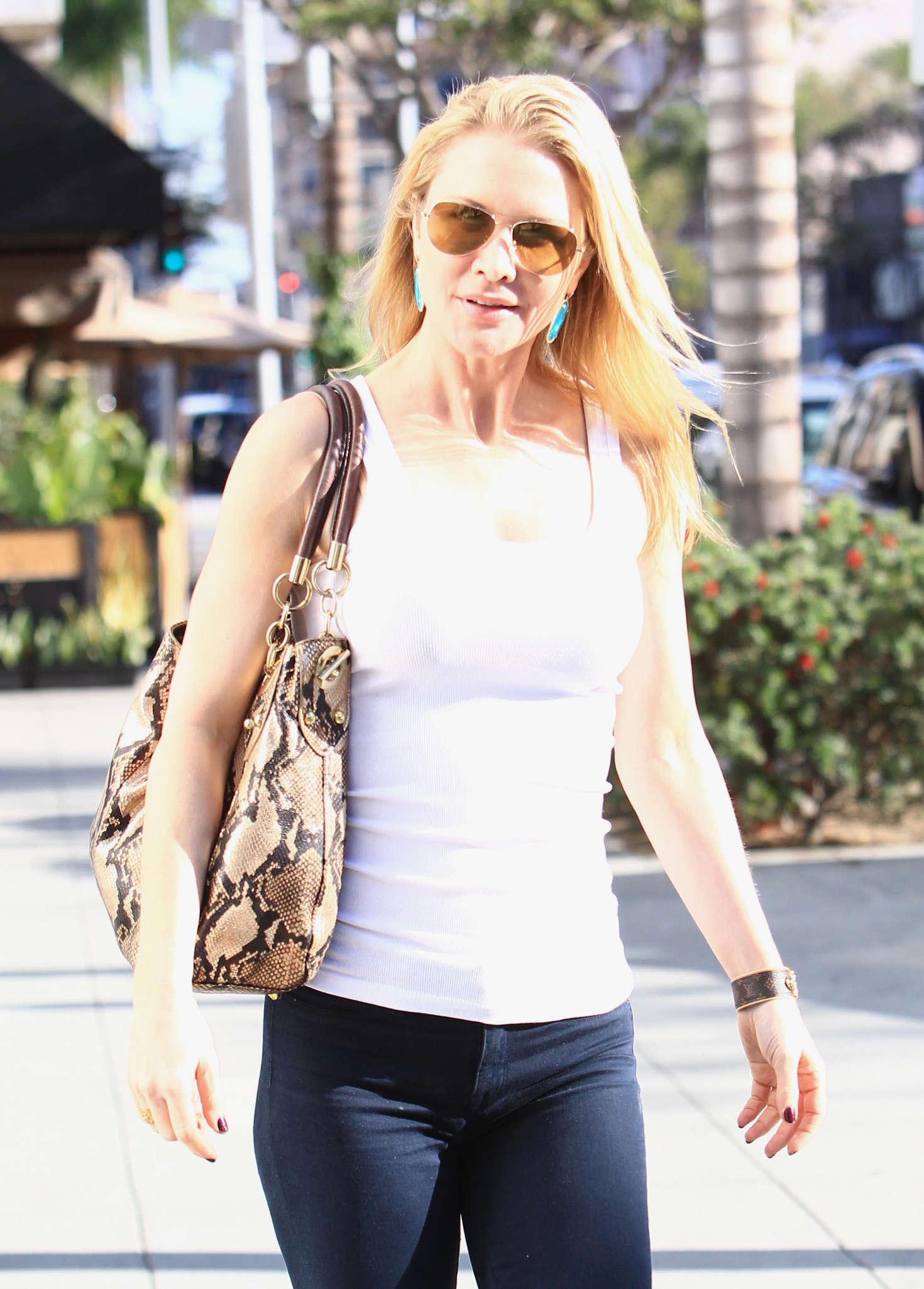 Josie Davis in Tight Jeans in Beverly Hills