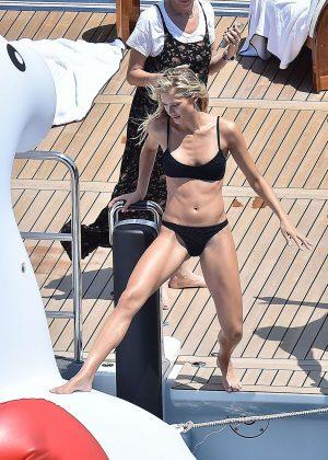 Pros the Josie marie in a bikini bellydancing yes