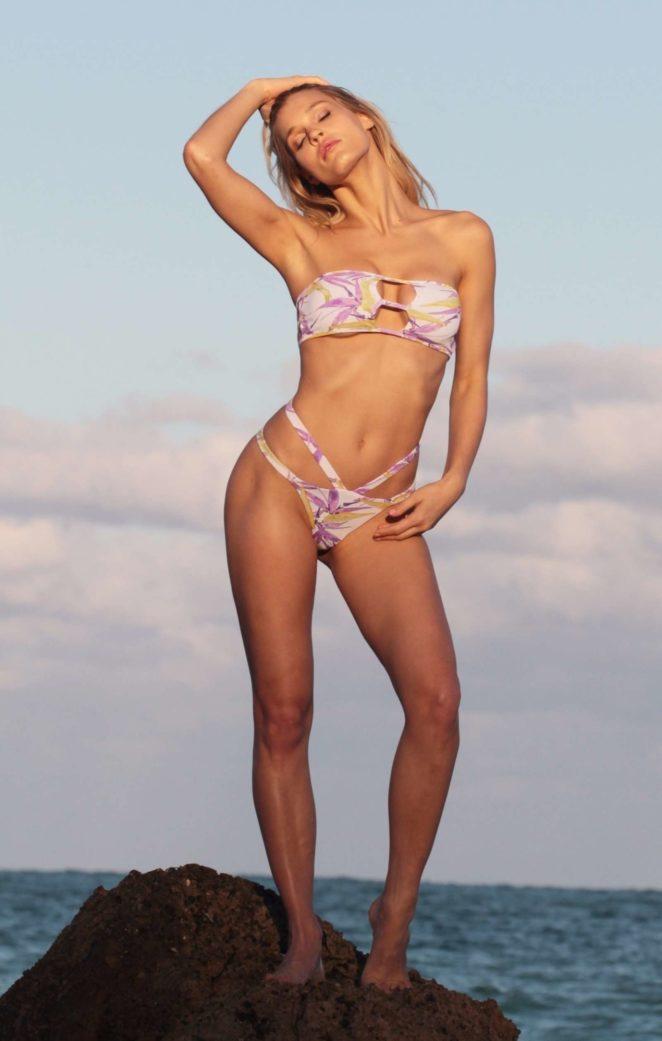 Joy Corrigan: Bikini Photoshoot -06