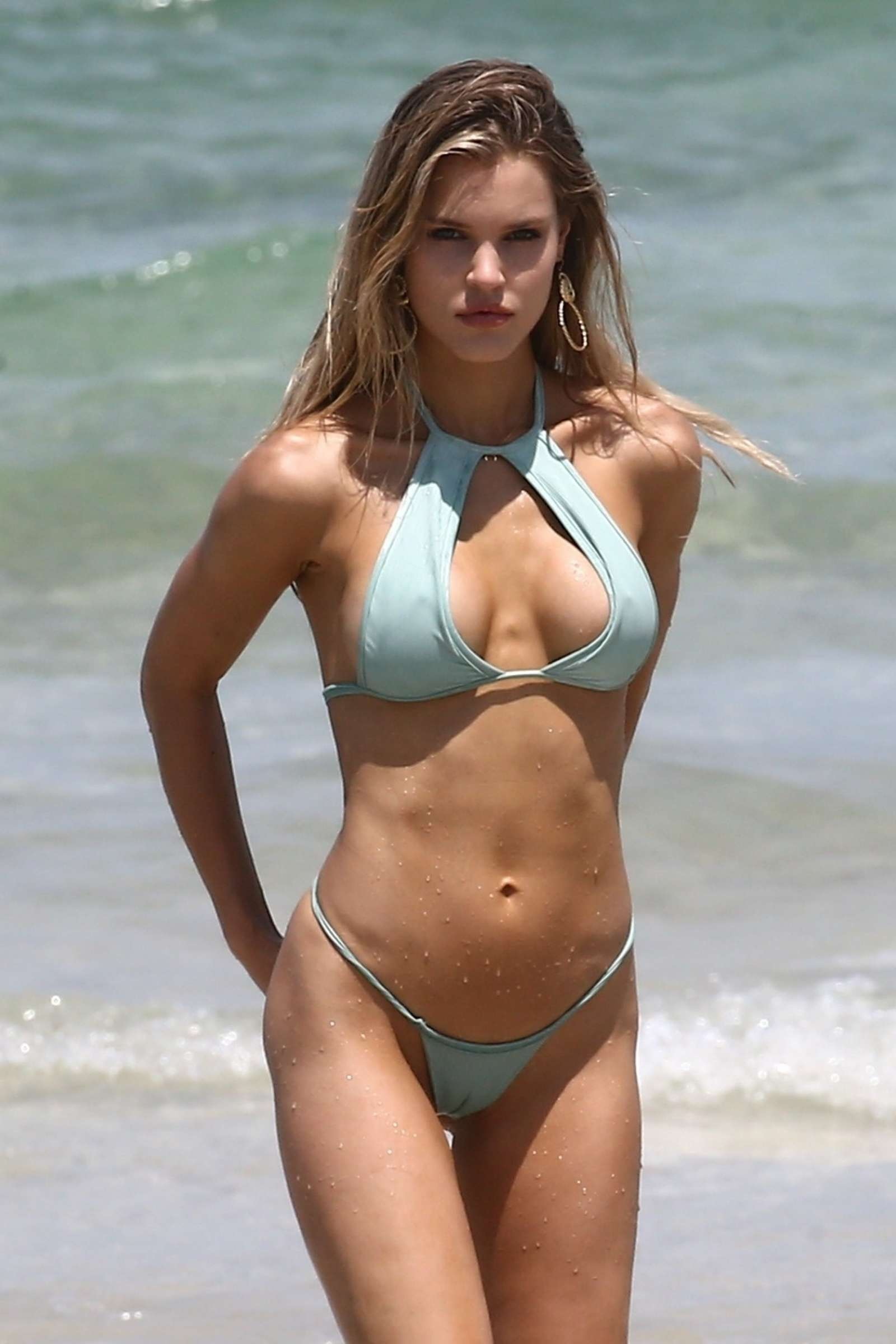 Joy Corrigan in Bikini – Photoshoot on the beach in Miami