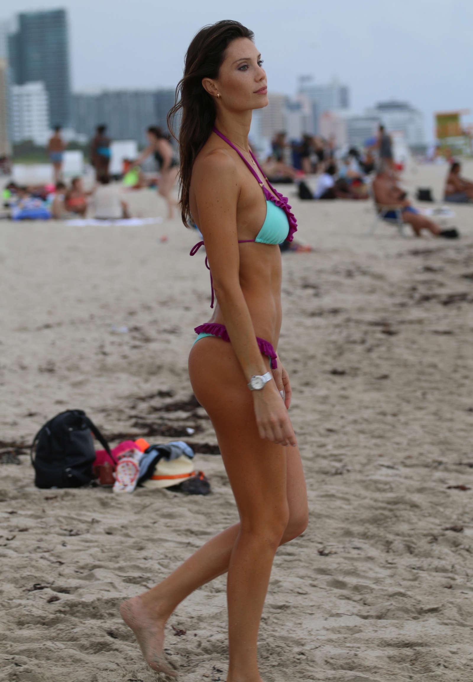 Photos Julia Pereira nude (23 photos), Topless, Fappening, Selfie, see through 2017