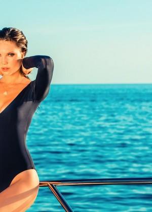 Julia Pereira: Lybethras Bikini 2015 -01