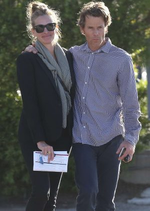 Julia Roberts and Daniel Moder Leaving Urgent Care in Malibu