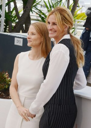Julia Roberts and Jodie - 'Money Monster' Photocall at 2016 Cannes Film Festival