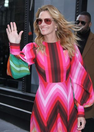 Julia Roberts - Arrives at AOL Build Series in New York