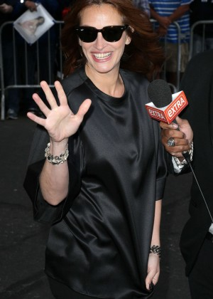 Julia Roberts - Arriving at The 'Late Show with David Letterman' in NYC
