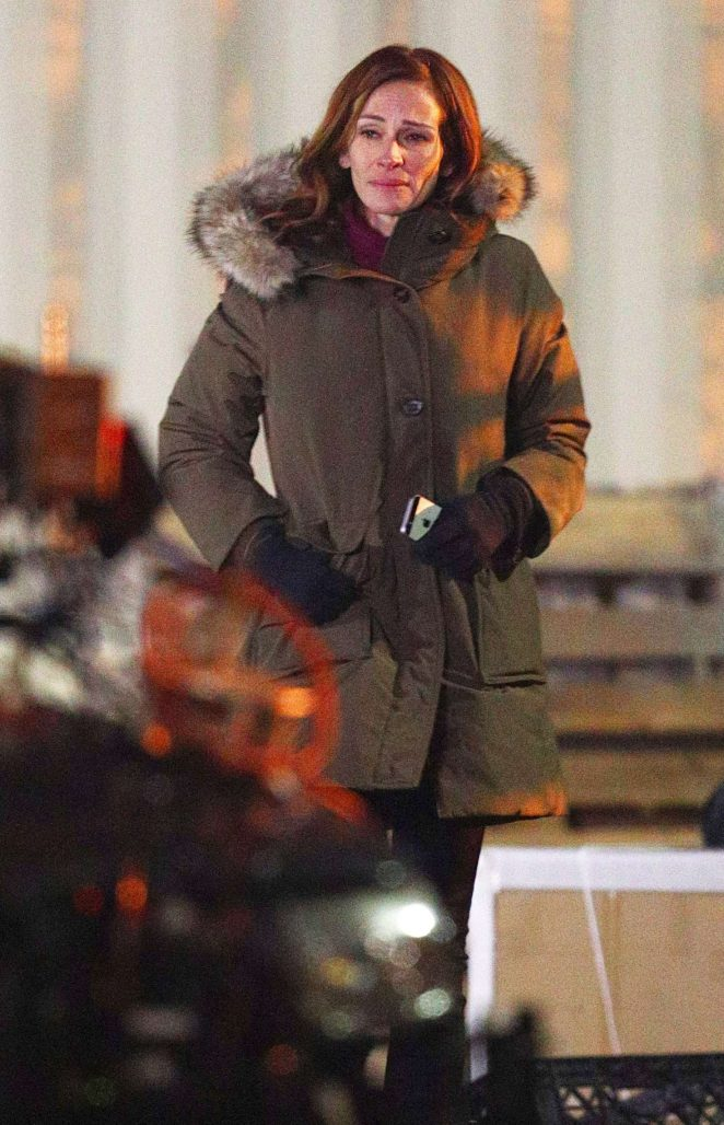 Julia Roberts - Filming 'Ben Is Back' in the Bronx