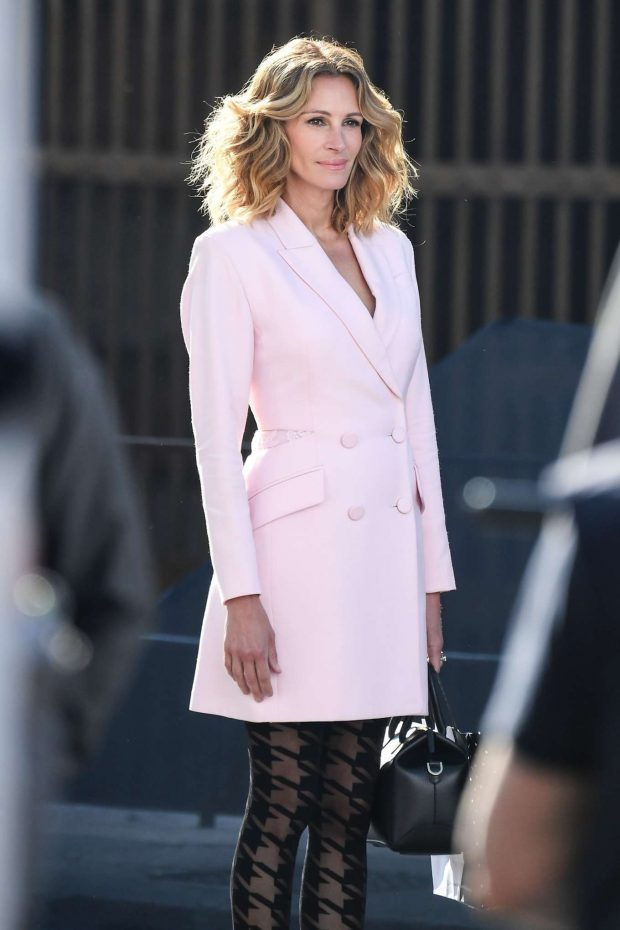 Julia Roberts in Pink - Photoshoot for Calzedonia in Verona