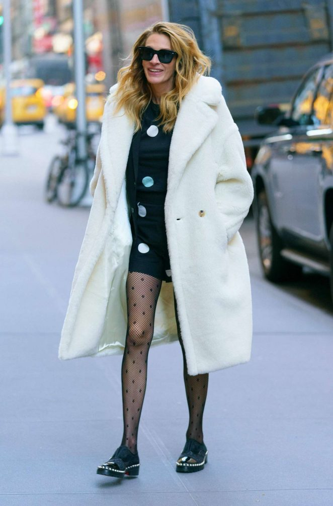 Julia Roberts in White Coat – Out in New York